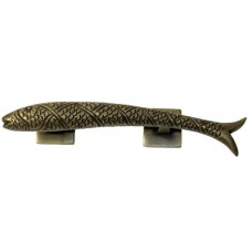 Right Carved Fish Drawer Pull - Antique Brass (HPU7025R) by Gado Gado
